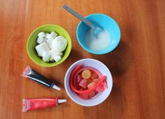 How to make stylish Christmas step-by-step marshmallow snowmen!