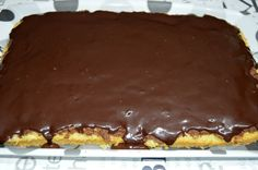 Prajitura cu crema de nuci si rom | Miremirc | ... bucataria in imagini Desserts, Rome, Tailgate Desserts, Deserts, Postres, Dessert, Plated Desserts