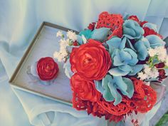 Persimmon Coral Ranunculus bridal bouquet with bird and doilies for a bit or delicate romance #dteam #ExpressionsFloral
