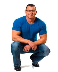 """Chef Robert Irvine - RESTAURANT IMPOSSIBLE... one of the very FEW """"reality"""" shows I will watch."""