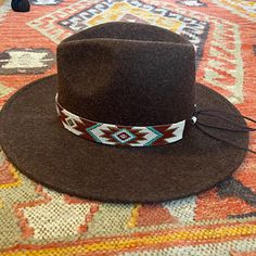 Cowboy Hat Bands, Cowgirl Hats, Bead Loom Designs, Bead Loom Patterns, Leather Hats, Leather Jewelry, Leather Craft, Hippie Style, Seed Bead Art