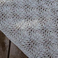 Det fineste sjal, jeg nogensinde har strikket 👌🏼 #talesfromtheisleofpurbeck #shawl #knitting #knitstagram #knittersofinstagram #nevernotknitting #garnudsalg #garnudsalgdk