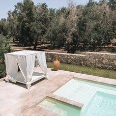 Puglia - The Travel Guide — Lilaproject Big Pizza, Food Spot, Outdoor Furniture Sets, Outdoor Decor, Public Transport, The Locals, Tuscany, Travel Guide, Italy