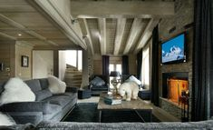 Chalet Black Pearl by Philippe Capezzone | HomeDSGN, a daily source for inspiration and fresh ideas on interior design and home decoration.