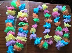 Collana hawaiana con sacchetti di plastica