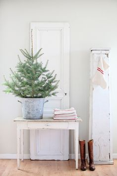 Mini Christmas Trees and other Holiday Decoration Trends 2013