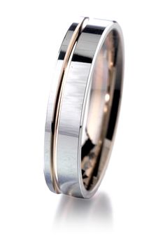 Alliance or rose et or gris #jeandelatour_officiel #bijoux #bijouxfrance #bijouxcreateur #jewels #jewelry #allianceshomme #bague #bagueshomme