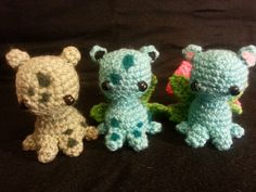 Bulbasaur, Ivysaur, and Venusaur amigurumi. I tried a new technique with the spots; instead of using yarn or felt sheets, I needlefelted them on for more precision. What a time saver!
