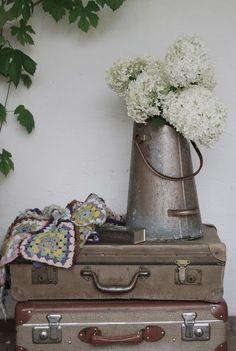 <3 suitcase