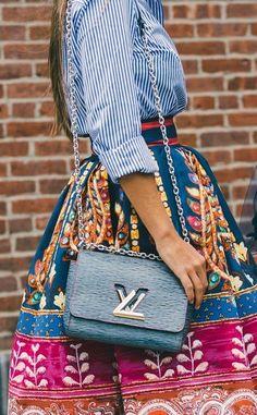 A modern Louis Vuitton crossbody. // The Best Street Style Inspiration From New York Fashion Week: (http://www.racked.com/2015/9/11/9309889/nyfw-street-style#4833038)