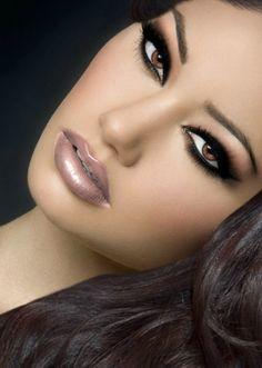 stunning makeup...love lip color
