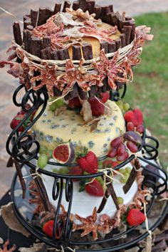 Its a bit of a cheesy wedding cake. Complemented by fruit and beef sticks. Very much Proudly South African. African Wedding Cakes, South African Weddings, African Theme, Themed Cupcakes, Beef Recipes, Sticks, Cupcake Cakes, Gingerbread, Orisha