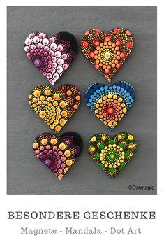 Mandala Painted Rocks, Painted Rocks Craft, Mandala Rocks, Mandala Art Lesson, Mandala Drawing, Mandala Painting, Stone Art Painting, Dot Art Painting, Rock Painting Patterns
