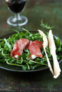 Un dejeuner de soleil: Involtini (roulés) de bresaola et mozzarella sur l...