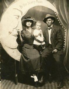 By the silvery moon. Vintage Postcards, Vintage Photos, Vintage Cards, Vintage Paper, Moon Photography, Vintage Photography, Bark At The Moon, Cresent Moon, Vintage Moon