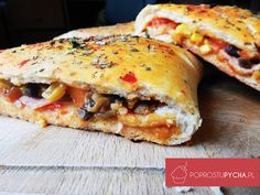 Chicken Pizza Calzone Made in Takeaway / Calzone Recipe - How to Make a Calzone Calzone Recipe, Chicken Pizza, Hot Dog Buns, Lasagna, Sandwiches, Food And Drink, Snacks, Eat, Cooking