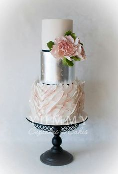 Decorating A Cake With Gold Leaf : 1000+ images about Silver leaf cakes on Pinterest Silver ...