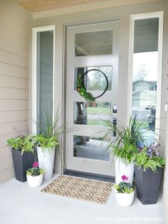 Porch planter ideas for a splash of life to the front door.