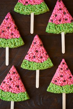 Watermelon Rice Krispies Treats: Your kiddos will love this summer-themed dessert that's easy to eat on-the-go. Watermelon Rice Krispies Treats: Your kiddos will love this summer-themed dessert that's easy to eat on-the-go. Watermelon Day, Watermelon Birthday Parties, Watermelon Slices, Watermelon Cake Ideas, Watermelon Activities, Watermelon Crafts, Fruit Birthday, Fruit Party, Birthday Cookies