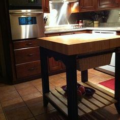 http://www.shimshamkitchen.com/kitchen-islands/how-to-buy-a-kitchen-island-part-3-logistics-and-spacing/