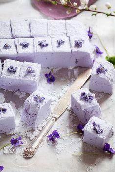 Marshmallow Desserts, Marshmallow Cupcakes, Marshmallow Brownies, Toasted Marshmallow, How To Make Marshmallows, Recipes With Marshmallows, Homemade Marshmallows, Chocolate Marshmallows, Low Carb Cheesecake