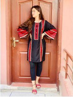 Baby Girl Dress Design, Fancy Dress Design, Lace Design, Girls Dresses Sewing, Stylish Dresses For Girls, Casual Dresses, Beautiful Dress Designs, Stylish Dress Designs, Simple Pakistani Dresses