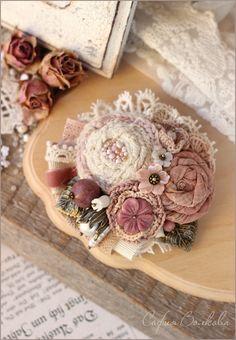 """Купить Брошь """"Сахар роз"""" - брошь, текстильная брошь, брошь букет, розовая брошь"""