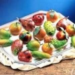 La frutta della Martorana è un tipico dolce siciliano famoso nel mondo, simile al marzapane ma notevolmente più dolce e saporito.