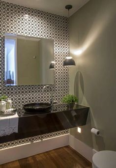 Qual o melhor tipo de cuba para o seu banheiro ou lavabo? Beautiful Bathrooms, Modern Bathroom, Small Bathroom, Bathroom Pink, Bad Inspiration, Bathroom Inspiration, Bathroom Interior Design, Interior Decorating, Decorating Ideas