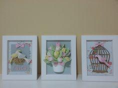 Trio de quadros com motivo de pássaros e tulipas, poderá ser feito com tecido a sua escolha.