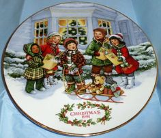 Avon 1991 Perfect Harmony Christmas Plate by MoonbearConnections