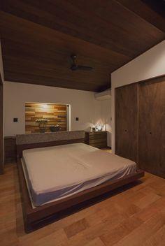 空間設計室 の オリジナルな 寝室 藤井下組の家