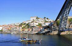 """Portugal. De Lisbonne à Porto   via Le Télégramme   25/11/2015 """"Bem-vindo a Portugal ! Le pays européen le plus occidental étonne par la diversité et la richesse des découvertes qu'on y fait. Escapade entre Lisbonne la féminine, au Sud, et Porto la masculine, au Nord. Avec toujours l'océan Atlantique à portée de main."""" #Portugal"""