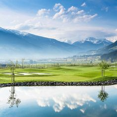 Direct access to the golf course! The rooms of the Sportresidenz Zillertal with a view of the Zillertal mountains and the Hochzillertal ski region Sport, Skiing, Golf Courses, Scenery, Nature, Mountains, Travel, Boutique, Ski