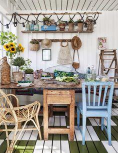 HOME & GARDEN: bohemian atmosphere in winter garden