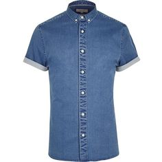River Island Mid blue wash short sleeve muscle fit shirt ($38) ❤ liked on Polyvore featuring men's fashion, men's clothing, men's shirts, men's casual shirts, blue, shirts, mens button front shirts, mens short sleeve denim shirt, mens short sleeve shirts and mens denim shirt