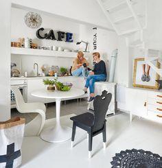 Lessetek be egy DIY blogger otthonába! - Lakáskultúra magazin Home Design Blogs, Office Desk, Dining Table, House Design, Diy, Furniture, Home Decor, Desk Office, Decoration Home
