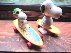 Snoopy Peanuts Gang Wind up Collectible Figures Lot of 2  Skateboards/Longboard