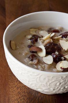 Absence and Secret Behavior: Cherry-Coconut Oatmeal  --  http://Gormaya.com/recipe-timer.html  Recipe Timer has basic Grain recipes!