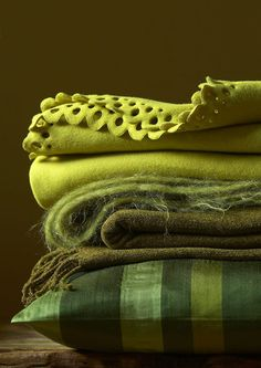 Chartreuse is a hot accent color for decorating this fall. I'm wild about the chartreuse - will you embrace it? Go Green, Green And Brown, Green Colors, Olive Green, Couleur Chartreuse, Vert Olive, Green Blanket, Textiles, Color Stories