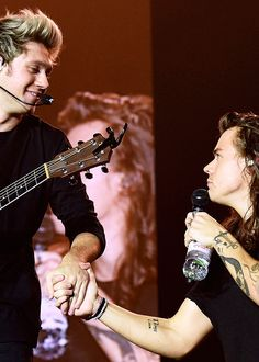 Niall and Harry - OTRA Tour final performance - 10/31/15