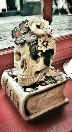 skull cake by Choccywoccydooda