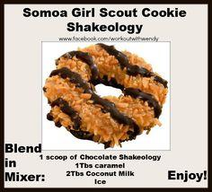 Girls Scout Cookies: Samoas Recipe for Girl Scout Samoa cookies.Recipe for Girl Scout Samoa cookies. Sin Gluten, Gluten Free, Cookie Recipes, Dessert Recipes, Yummy Recipes, Cookie Flavors, Samoas Cookie Recipe, Recipies, Copycat Recipes