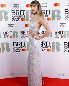 All About Taylor Swift, Taylor Swift Hot, Taylor Swift Style, Red Taylor, Taylor Swift Dresses, Katy Perry, Thing 1, Taylor Swift Pictures, Red Carpet