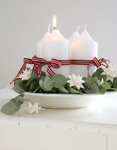 Simple Ribbon-Wrapped Pillar Advent Candles or Christmas Centerpiece Noel Christmas, All Things Christmas, Winter Christmas, Christmas Crafts, Christmas Candles, Christmas Brunch, Holiday Centerpieces, Candle Centerpieces, Xmas Decorations