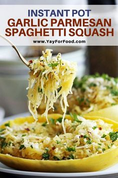 Pot Garlic Parmesan Spaghetti Squash The classic combination of garlic and parmesan create the perfect sauce for this quick and easy Instant Pot spaghetti squash recipe. A lower carb alternative to pasta that's ready in under 30 minutes. Garlic Parmesan Spaghetti Squash, Easy Spaghetti Squash Recipes, Sauce For Spaghetti Squash, Cooking Spaghetti Squash, Instant Pot Dinner Recipes, Gourmet Dinner Recipes, Cooking Recipes, Healthy Recipes, Instapot Vegetarian Recipes