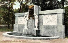 In Franzensbad staat ook het Goethe Denkmal dat de dankbare burgers op 9 september 1906 lieten oprichten omdat Goethe er voor gezorgd had dat veel badgasten daar naar toe kwamen