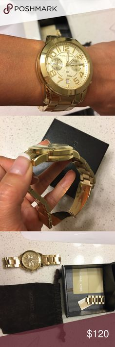 Michael Kors Watch Authentic. All pieces shown are included. Good used condition. Beautiful semi lightweight. I love this watch because it is not heavy but still makes for a great chunky statement piece. Battery is fine! Michael Kors Accessories Watches