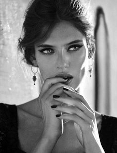 Bianca Balti / Black and White Photography
