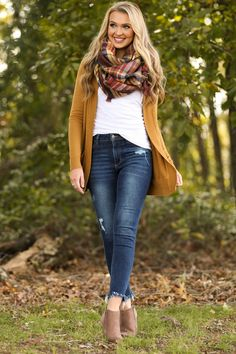 Cozy Commitment Camel Cardigan at applepickingoutfit Simple Fall Outfits, Fall Outfits For Work, Fall Fashion Outfits, Casual Winter Outfits, Mode Outfits, Autumn Fashion, Cozy Fashion, Women's Fashion, Edgy Outfits
